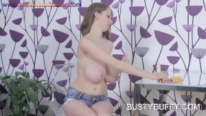 बोबो से खलते हुए मोटे मोटे बूब्स वाली लड़की के नंगे फोटो Girl Playing with boobs (3)