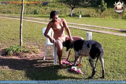 लड़की कुत्ते से चुत और गांड चटवाते हुए कुत्ता लड़की की चुत चाट रहा है (10)