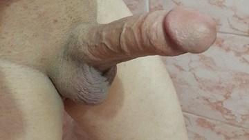 लंड को टांगो के बीच फ़साये हुए लंड राज के फोटो King Of Dick लिंग के नंगे फोटो (6)