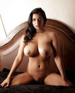 Desi indian big boobs girl nude sexy breast photo big tits boobs huge nude indian girlfriend Indian Girls XXX Pic (5)