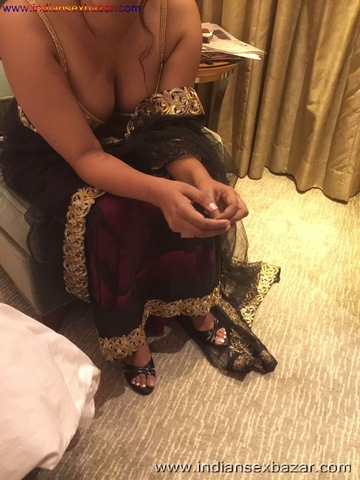 Newly Married Nude Indian Bride Beautiful Cute young indian bride Indian Bride full xx nude pic (16)