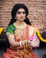 Sexy Indian Bhabhi In Saree Blouse Very Hot And Sexy Striping Saree Photos (10)