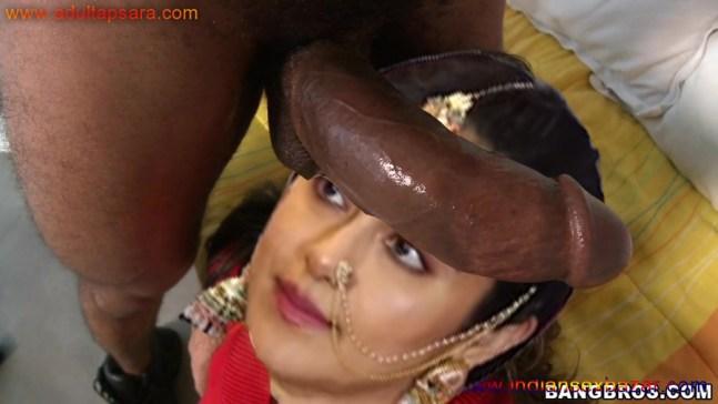 इंडियन दुल्हन नंगी होकर गांड और चूत की चुदाई करवाते हुए फुल अचडी पोर्न पिक्चर गैलरी (5)