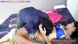 ब्लू ब्रा वाली गर्लफ्रेंड बेडरूम में नंगी होकर चुदवाते हुए फोटो Indian Sex Scandals (5)