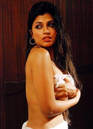 Free Porn Pic Of Indian Film Actress Arthi Puri Naked Bedroom Sex XXX Porn Photo Gallery (1)