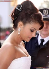Naked Photo And Video Aishwarya Rai Real Big Milky Boobs Showing From Clothes (11)