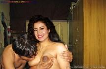 नेहा का नंगा शरीर सिंगर नेहा कक्कड़ की दर्द भरी चुदाई के पोर्न फोटो नंगी गांड चूत और बोबे (1)
