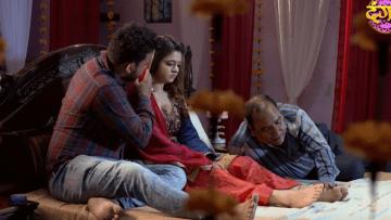Hindi Audio Sex Story मै पापा के सामने अपनी चूत चुदवाती रही पापा देखते रहे
