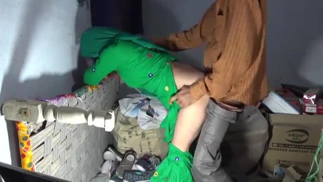 ग्राहक ने घोड़ी बनाकर सेठानी की गांड मारी चूड़ियों के गोदाम में इंडियन हिन्दी पोर्न विडियो 6