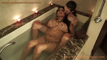 दूल्हा दुल्हन सेक्स करते हुए Nude Newly Married Couple Enjoying In Bathtub Indian XXX Porn Pictures 5