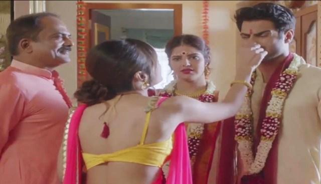 सासु माँ ने दामाद के साथ बनाये अवैध शारीरिक सम्बन्ध Indian Porn Video 1