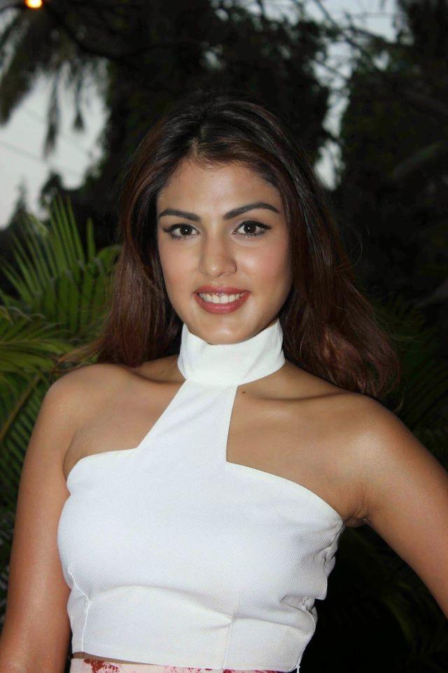 Actress Ria Chakravarthi Nude Photos Nangi Chut Chudai Ki Porn Pic 1