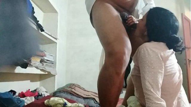 मेरी रंडी माँ की प्यासी बुर चोदते हुए मोहल्ले के लड़के को पकड़ा हिन्दी सेक्स स्टोरी 3