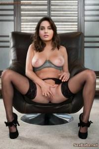 Indian And Canadian Film Actress Nora Fatehi Sex Photos Bollywood Singer Fucking Pic 13
