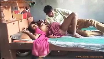 जवान चुदाई की प्यासी माँ देवर से चूत चुदवा रही थी बच्चा आ गया Indian Desi Porn Video Hindi Homemade Sex Video And Photo