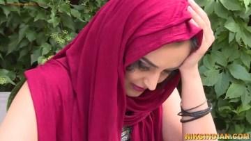 खूबसूरत कश्मीरी कन्या के बलात्कार का अश्लील XXX पोर्न वीडियो हिंदी ऑडियो के साथ और फोटो 1