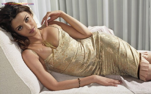 Indian Hindi Film Actress Aishwarya Rai Bachchan Fucking Photos XXX Porn Pic Sex Pictures 1