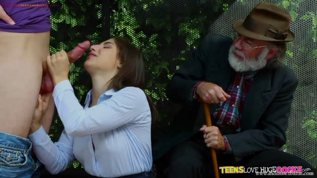 School Girl Abella Danger Sex At Bus Stop Full HD Outdoor Porn Movie And XXX Pic Gallery 3