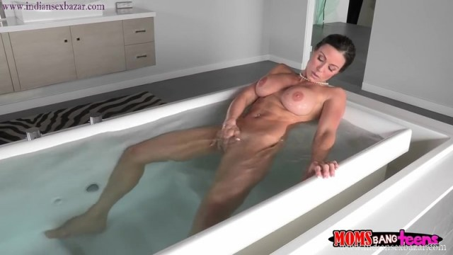 Sexy And Hot Naked Stepmother Kendra Lust Caught Her Stepson Watching Her Masturbating Full HD Porn Movie And XXX Pic 2