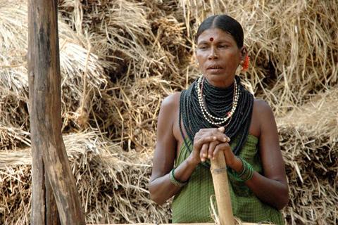 03hallaki_woman_necklace_v_lakshmanan11
