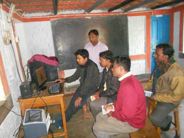 ghosaldanga_computertraining_video_03_staff_web