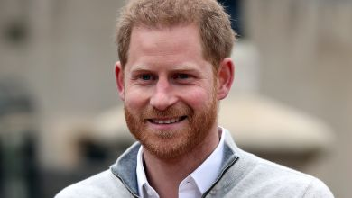 Photo of Prince Harry Returns Home to Meghan Markle in Montecito Immediately after Funeral
