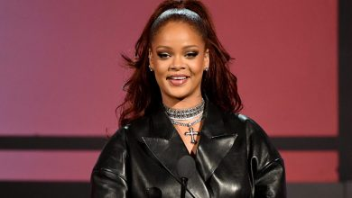 Photo of Rihanna Lists Beverly Hills Residence as Rental for $80,000 a Thirty day period