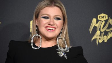 Photo of Kelly Clarkson Sells Customized Encino Property for $8.24 Million at a Reduction