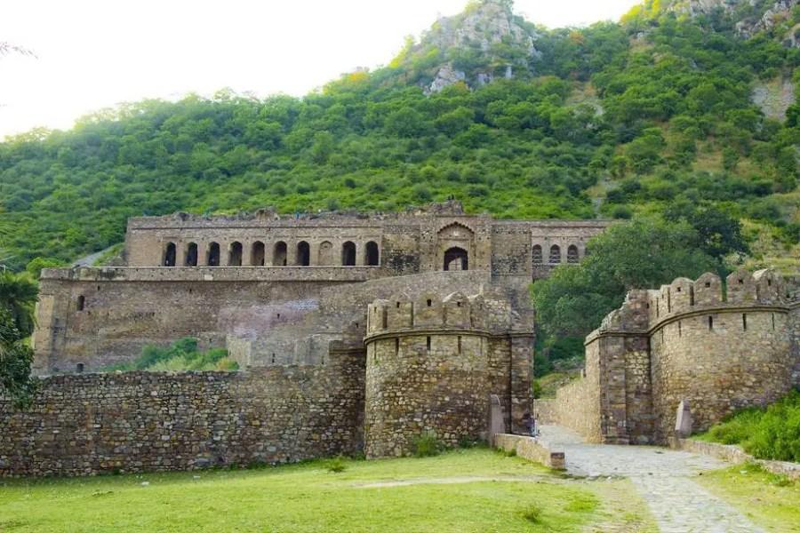 Kankwari fort in Sariska national park