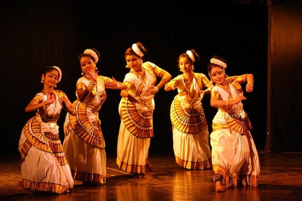 classical-dance-mohiniyattam