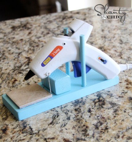 Diy hot glue gun holder indie crafts for Hot glue guns for crafts