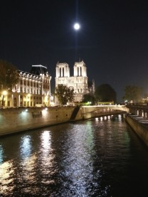 Moon over Paris 20151026_193120