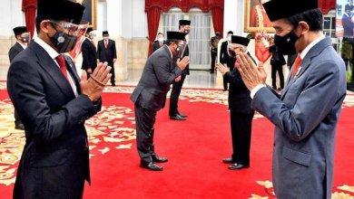 Sandiaga Uno saat dilantik sebagai Menteri oleh Presiden Joko Widodo (Foto via Twitter @sandiuno)