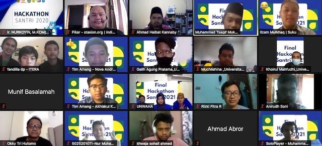 Proses penjurian Hackathon Santri bersama M Ziaelfikar Albaba, Founder Indiekraf Indonesia