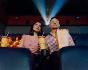 GeNose segera tersedia di bioskop (Photo by Felipe Bustillo on Unsplash)