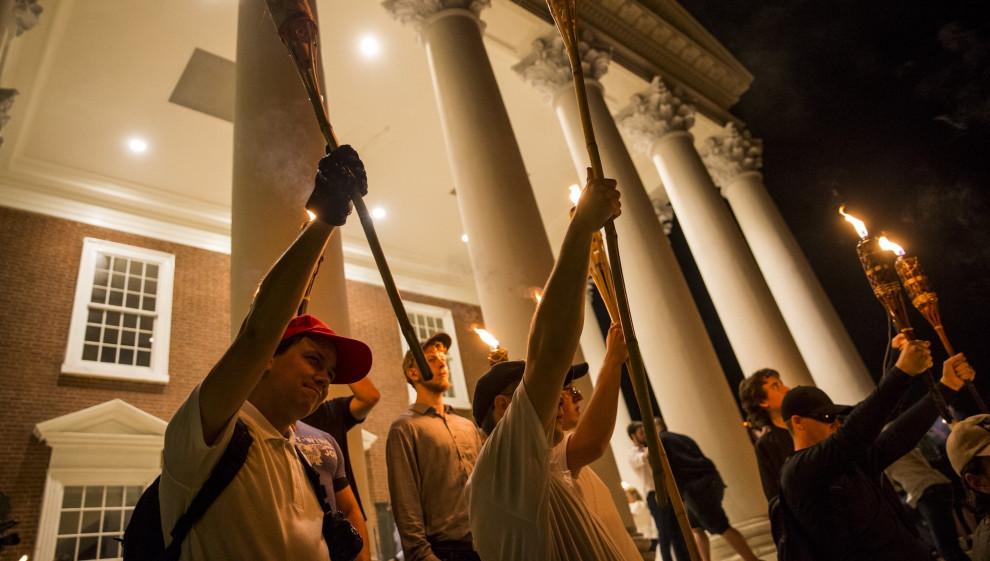 Facebook kondigde net plannen aan om blanke nationalisten en separatisten te verbannen