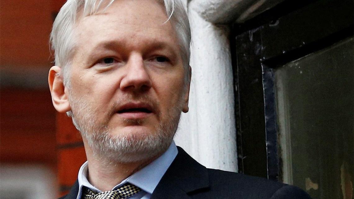De westerse burgers moeten opstaan voor Julian Assange de VS is schuldig niet wikileaks