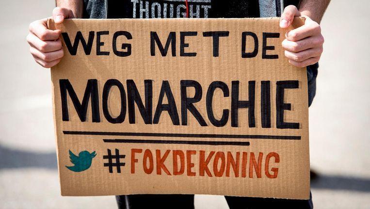 Steeds meer mensen zien in dat de monarchie oneerlijk en ondemocratisch is