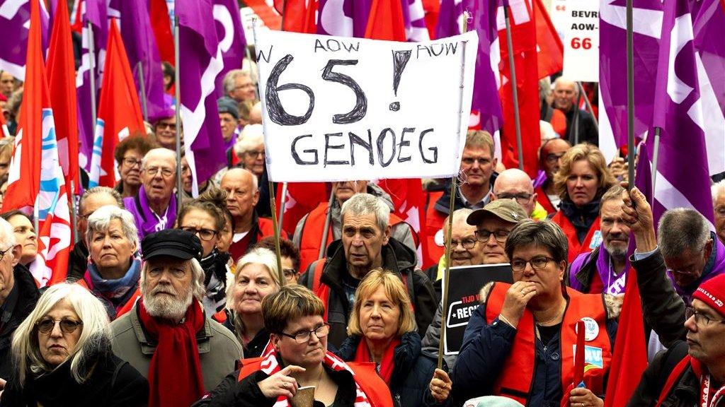 Veertig pensioendeskundigen willen dat het kabinet de strenge pensioenspelregels versoepelt