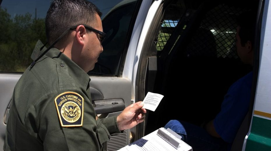 Nu is het officieel: Amerikaans visum kan worden geweigerd als u (of zelfs uw vrienden) kritiek hebben op Amerikaans beleid