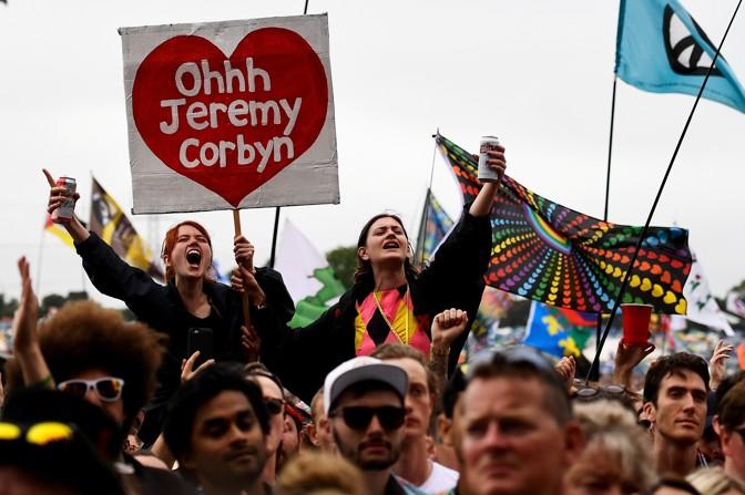 Amerikaanse en Britse campagnes voor militaire inlichtingenapparatuur om Jeremy Corbyn te vernietigen