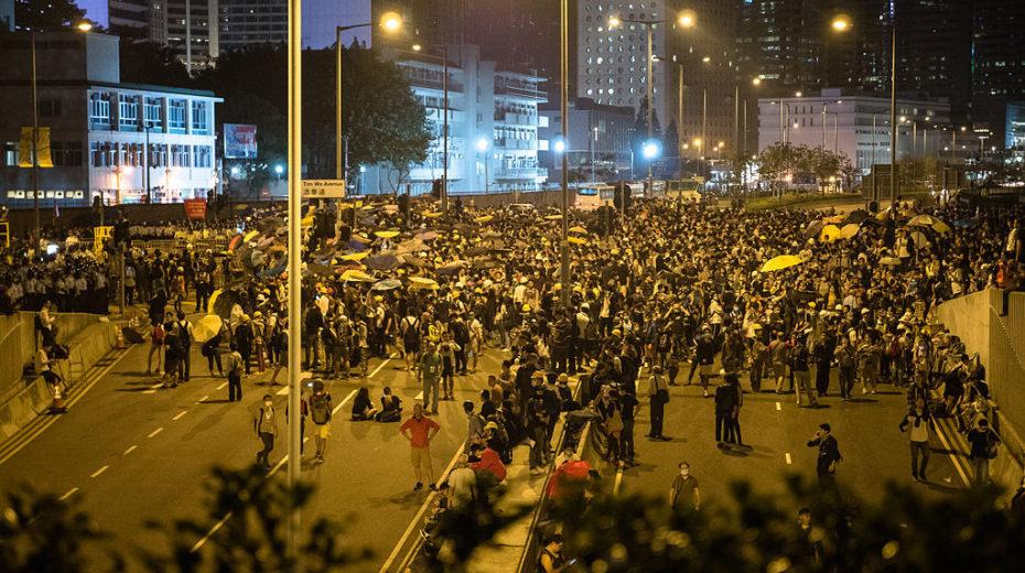 VS vuile handen overal in Hong Kong: Geweld en chaos?