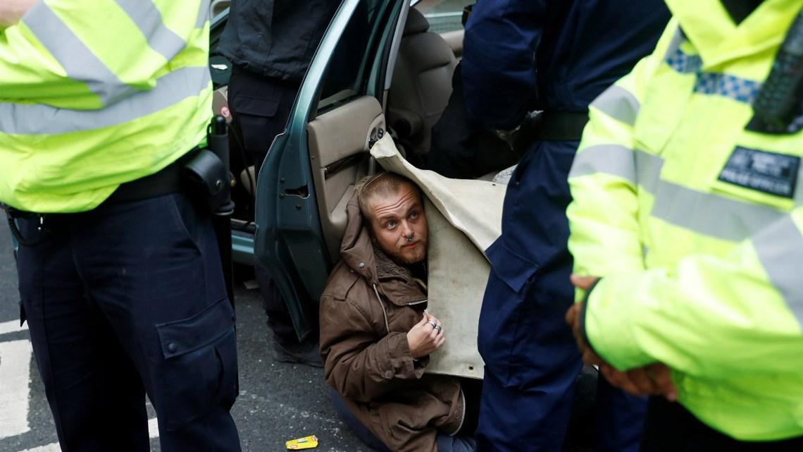 Protesten blokkeren wegen in Europese steden en dringen aan op klimaatactie