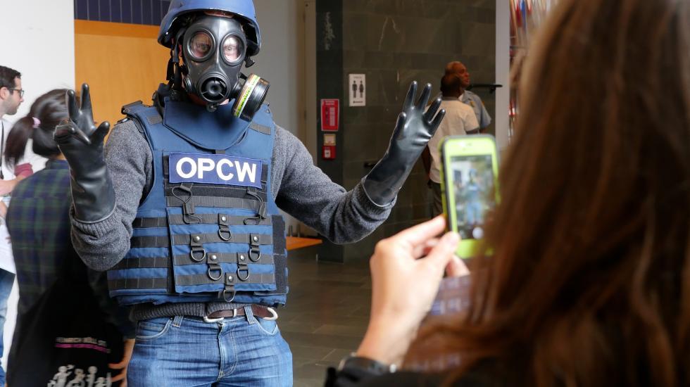 Expertpanel vindt gapende gaten (leugens) in OPCW-rapport over vermeende chemische aanval in Syrië