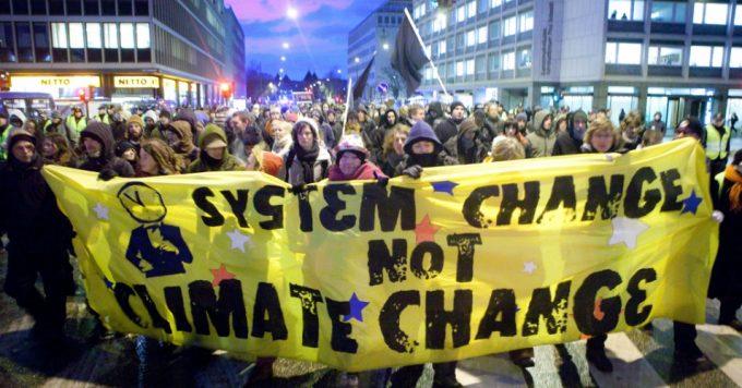 Brand, NEOLIBERALISM, Brand: de oorlog van het volk is NU volledig van kracht