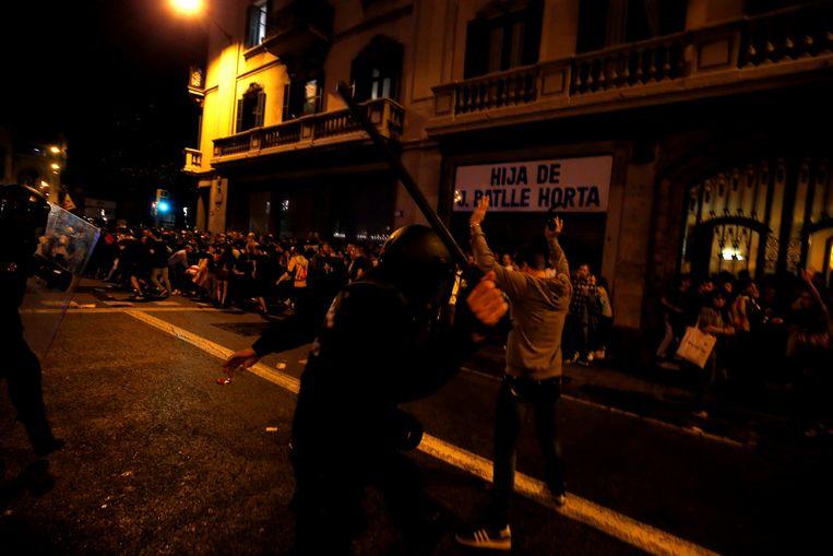 Catalaanse regeringsleider roept op tot onmiddellijk einde geweld in Barcelona