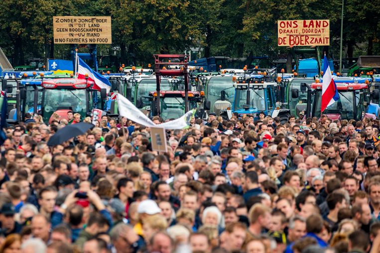 #boerenprotest #boerenactie #agractie #boeren willen Schiphol platleggen