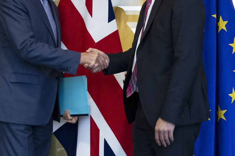 Leider Corbyn noemt die brexit deal zelfs slechter dan wat Boris' voorgangster Theresa May