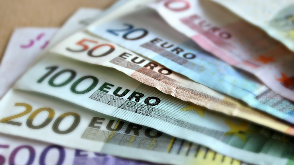Werkdocument gepubliceerd: IMF adviseert geleidelijke, onopgemerkte contant geld verwijdering