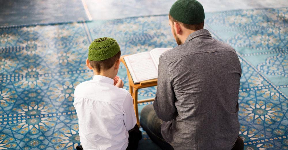 Radicale islamleraar uit Brussel voor rechter wegens zedenfeiten